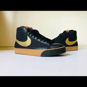 "Nike Blazer Mid Premium ND ""China Rock Festival"""